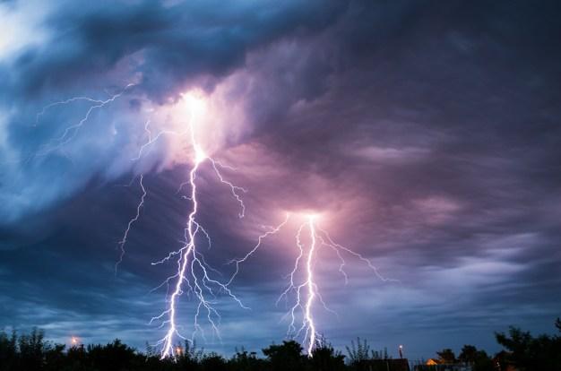 3 formas de protegerte o reaccionar al impacto de un rayo