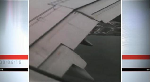 Motor de avión se incendia en pleno vuelo