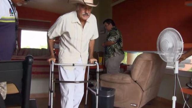 Andrés García no sabe si volverá a caminar