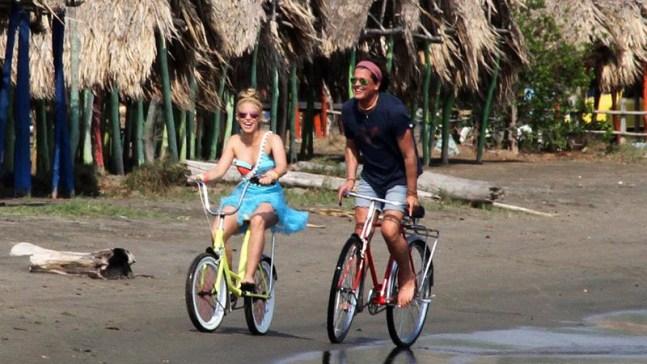 """Shakira y Vives cantarán """"La bicicleta"""" en premiación anglo"""