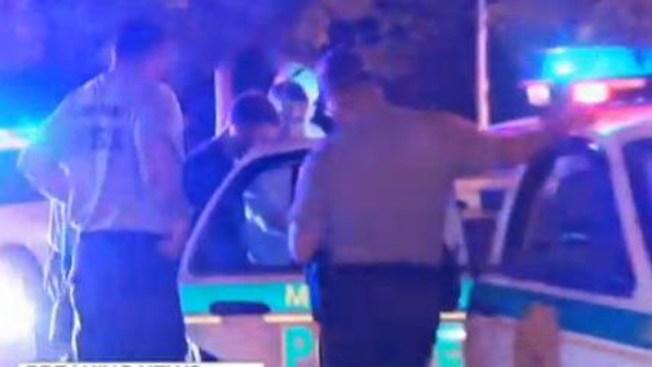 Dos arrestados tras robo de carro y persecución