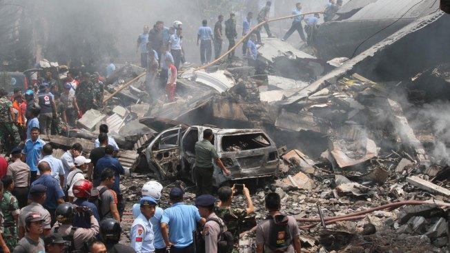 Son 141 los muertos tras avionazo en Indonesia