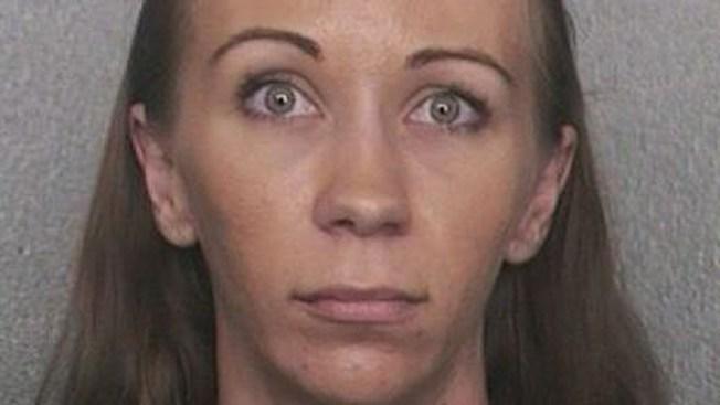 Arrestada se opone a que su hijo sea circuncidado