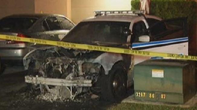 Miami: arden en llamas 2 carros de la policía