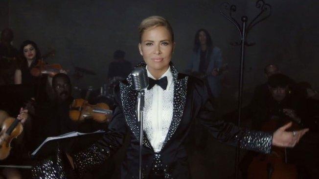 Gloria Trevi en esmoquin en nuevo video