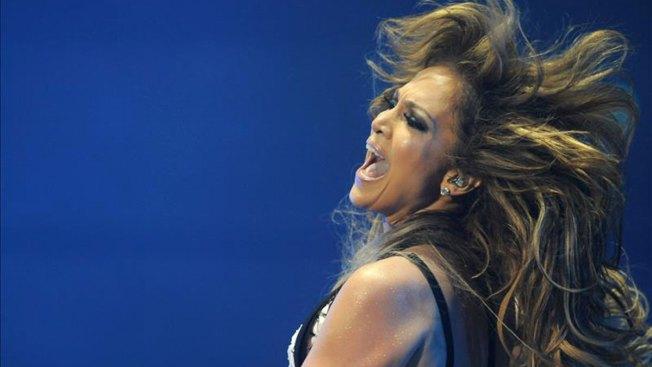 Una sensual Jennifer López hace vibrar Rabat