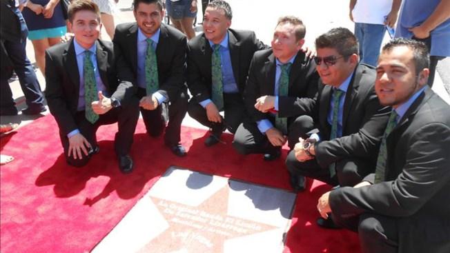 Original Banda El Limón con estrella en Las Vegas