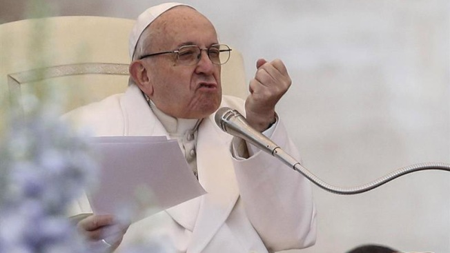 """El Papa dice que la separación de familias es """"inmoral"""""""