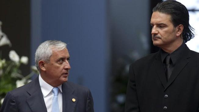 Arjona devuelve reconocimiento a presidente