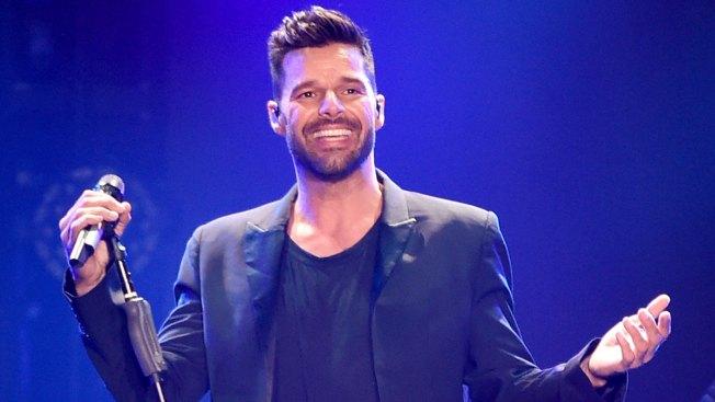 Ricky Martin bromea con su soltería