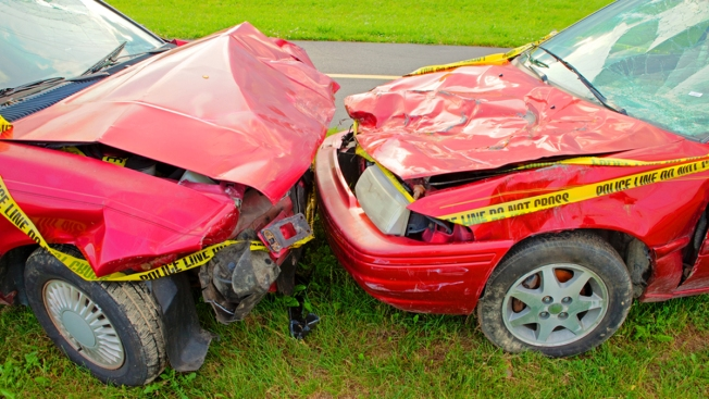 ¿Los autos rojos imanes para accidentes?