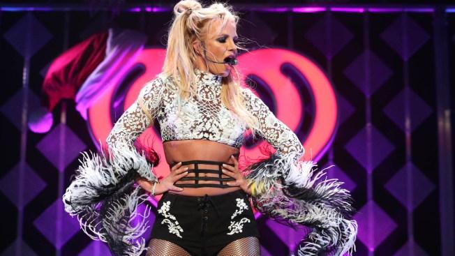 Britney Spears luce sexy en su primera campaña de moda