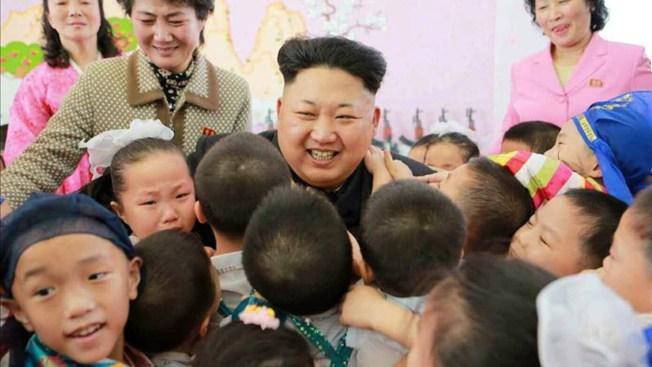 Kim Jong-un estrena el año con visita a orfanato