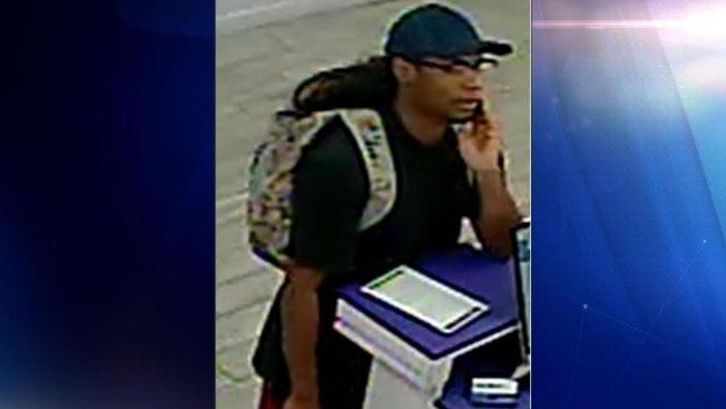 Policía de Orlando busca identificar sospechosos de robo