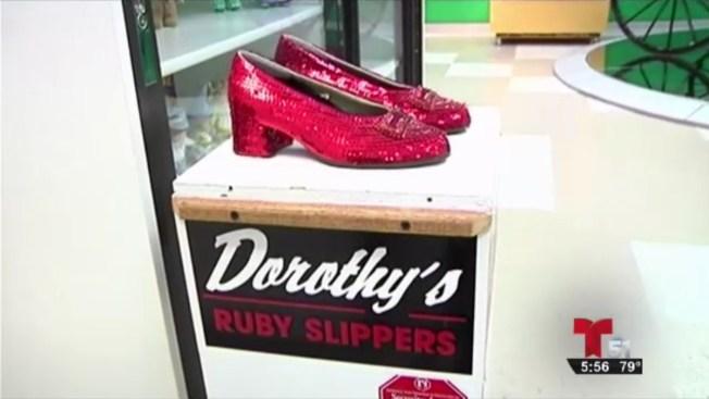 Recompensa de $1 millón por zapatos robados