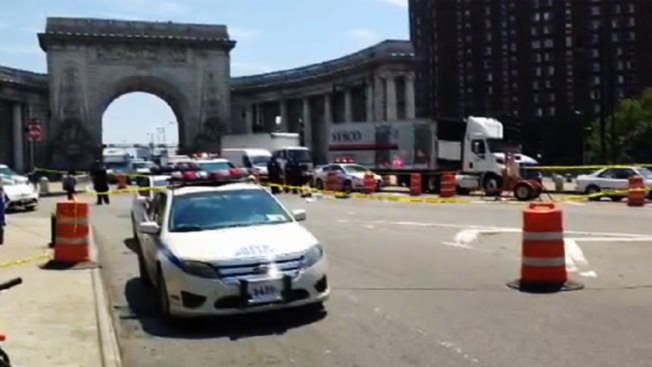 Camión atropella y mata a anciano en Manhattan