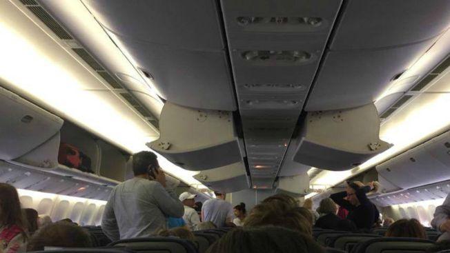 """""""Chispas"""" obligan a aterrizaje de emergencia"""