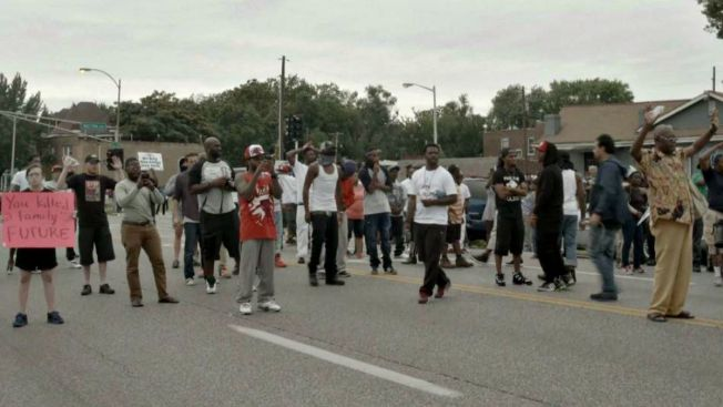 Disturbios tras joven negro baleado por policía