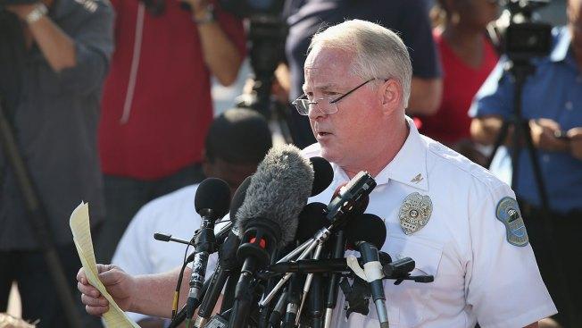 Renuncia jefe de policía de Ferguson