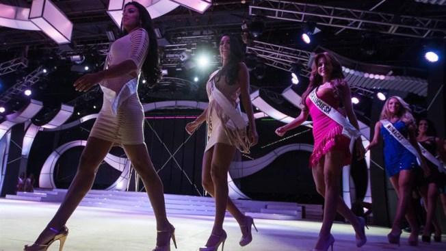 """Fuga de belleza: Venezuela exporta sus """"misses"""" en medio de grave crisis"""