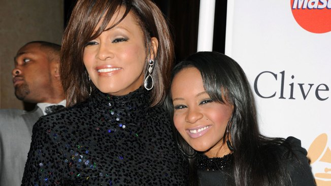 "Hija de Whitney Houston ""batalla por su vida"""