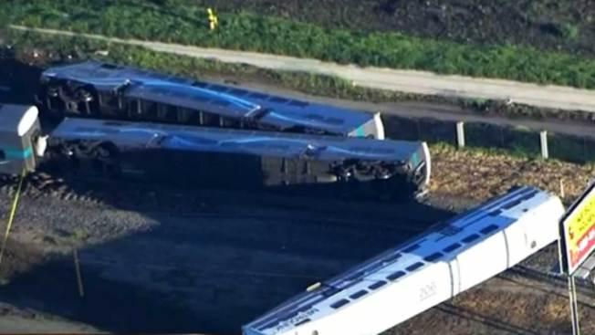 Tren choca con camión en sur de California