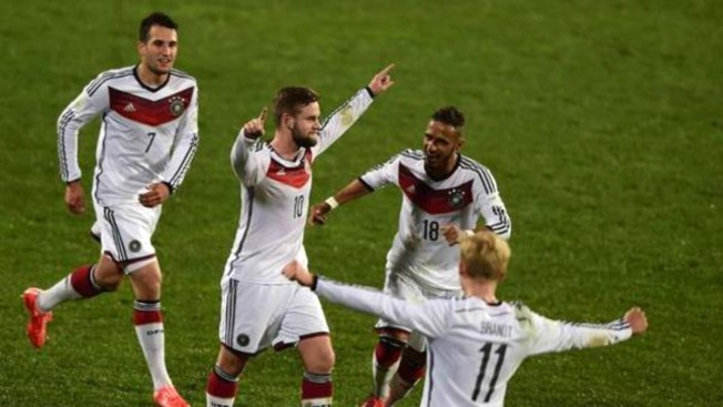 Alemania sigue con paso perfecto y vence a Uzbekistán