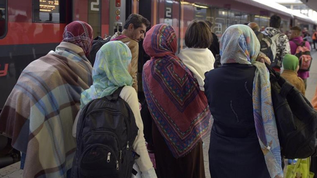 Crisis por refugiados: 14,000 llegan a Austria