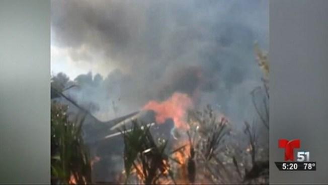 Avión se estrella y explota: 4 muertos