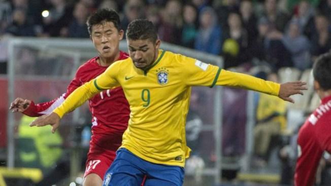 Brasil golea a Corea del Norte y se afianza en la punta