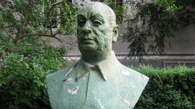 Exigen volver a enterrar a Pablo Neruda
