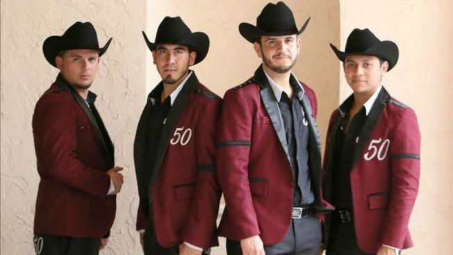 Calibre 50 canta sobre problemas de México