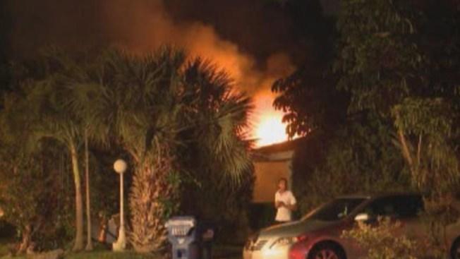 Voraz incendio destruye casa en NMB