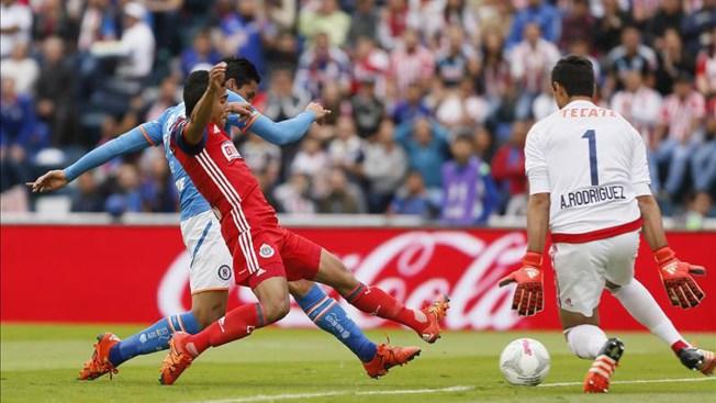 Fútbol mexicano: Cruz Azul empata 1-1 ante Chivas
