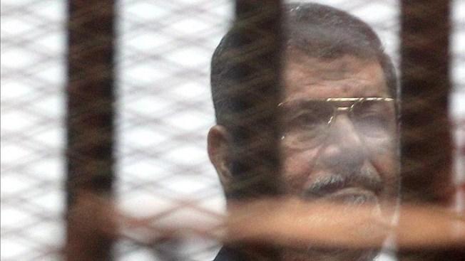 Condenan a muerte a expresidente egipcio