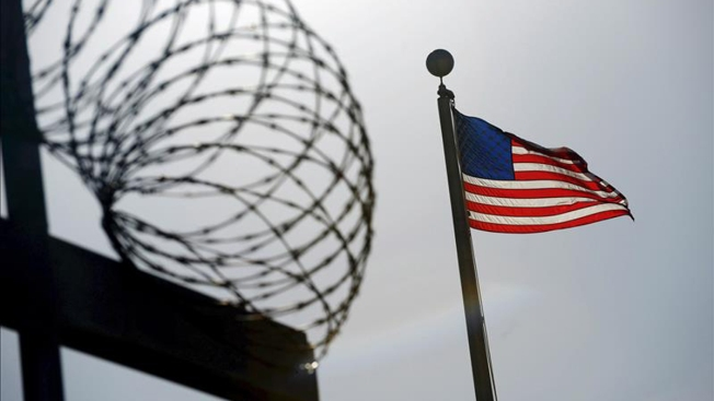 Liberan a cinco presos de Guantánamo