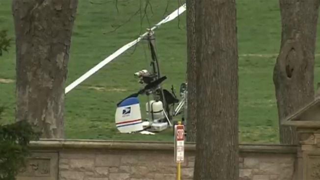 Un girocóptero aterriza cerca del Capitolio
