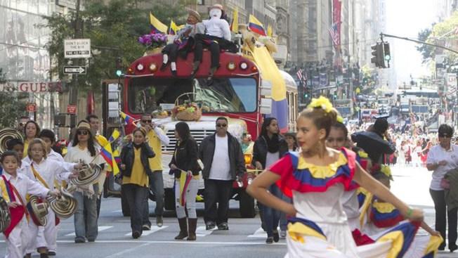 Miles celebran a todo color la Hispanidad