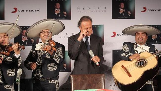 Julio Iglesias celebra sus 72 con 'Las mañanitas'