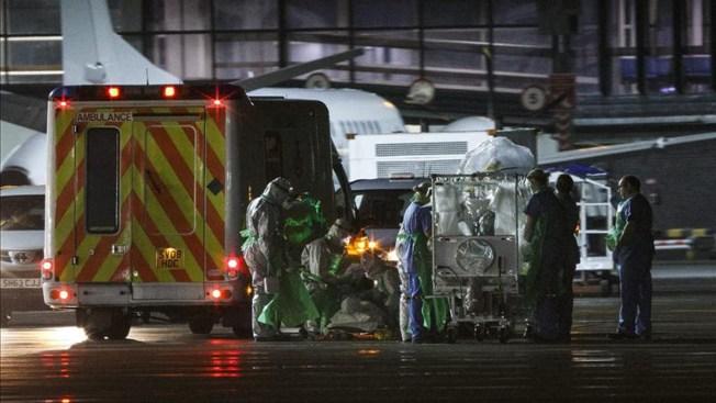 Enferma de ébola es tratada en Londres
