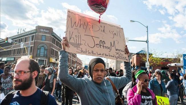 Madres de EEUU marchan contra el racismo