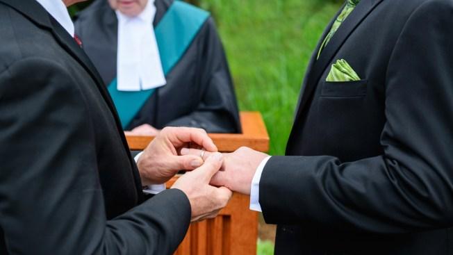 Alabama emite licencias de matrimonio a gays