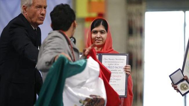 Niegan asilo a mexicano que interrumpió ceremonia