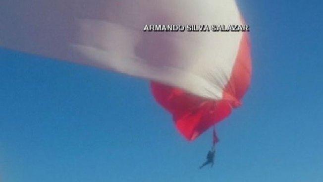 Soldado casi da la vida por la bandera