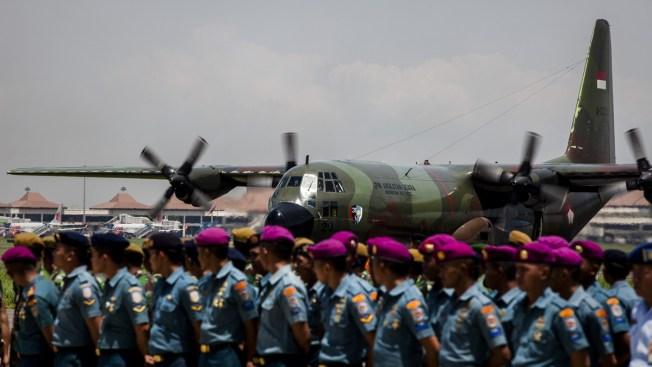 Recuperan nueve cadáveres de avión de AirAsia