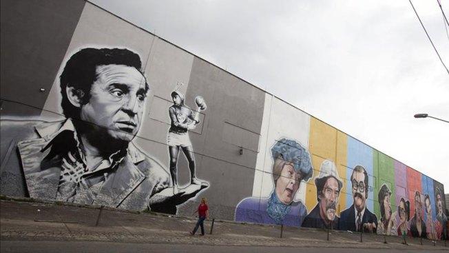 Sao Paulo dedica mural a Chespirito