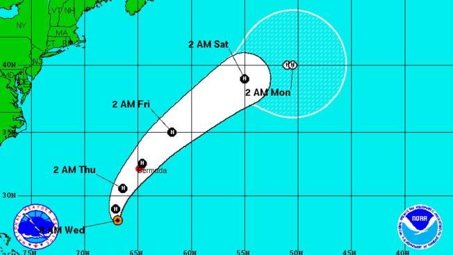 Huracán Nicole se fortalece a categoría 2