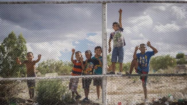 Denuncian supuestos abusos de EEUU a niños que cruzan la frontera