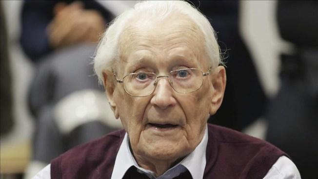 Condenan a contador nazi de 94 años