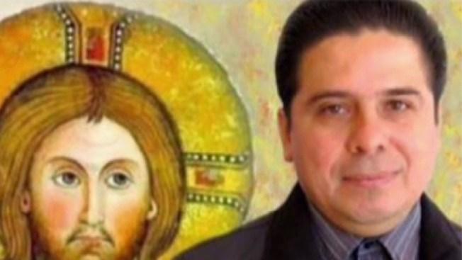 En México matan a un cura en Navidad